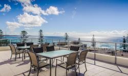 Roof deck hot tub ocean views Port Macquarie Ki-ea Apartments